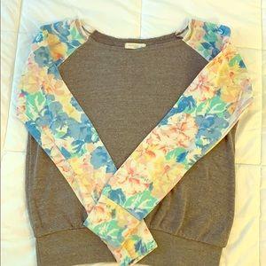 Floral sleeve printed sweatshirt Sz M